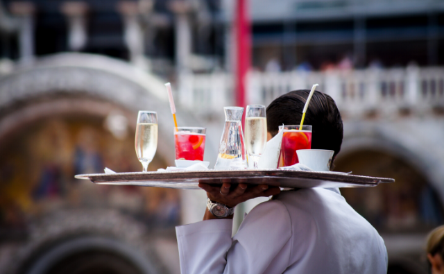 Popular and up and coming Restaurant Service Trends